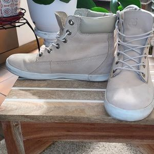 Timberlands boots cream color
